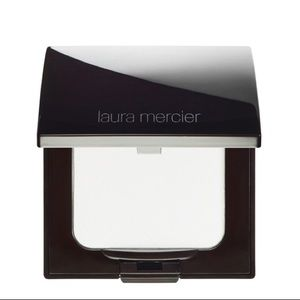 💄B1G1 Laura Mercier Invisible Setting Powder